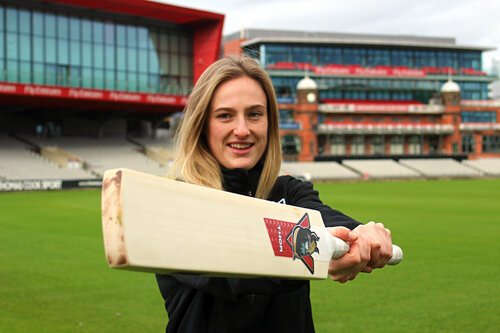 Emma Lamb receives a deserved England rookie contract.